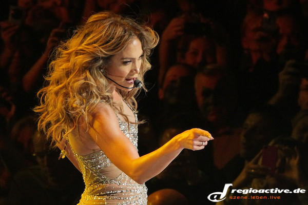 """dance again world tour"" in hamburg - Fotos: Jennifer Lopez live in der o2 World Hamburg"